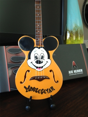 Mickey Mouse Mini Guitar - AXE HEAVEN Guitar Gift Box Included