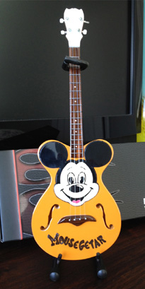 Mousegetar Custom Shape Mini Guitar