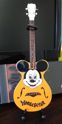 Mousegetar Custom Shape Mini Guitar