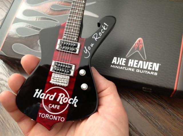 Hard Rock Cafe Toronto Mini Guitar_2