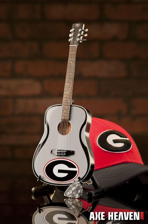1_Georgia_8073_Mini Guitar