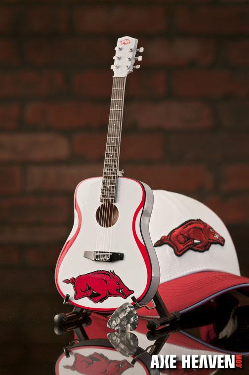 1_H_8097_Mini Guitar