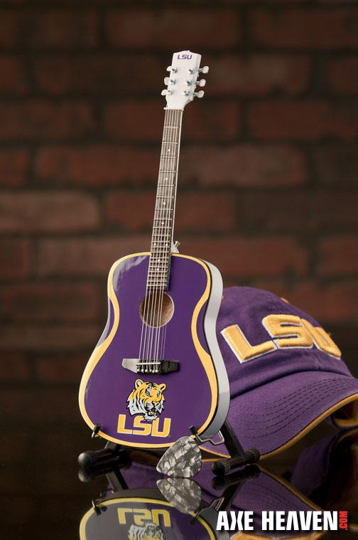 1_LSU_8073_Mini Guitar