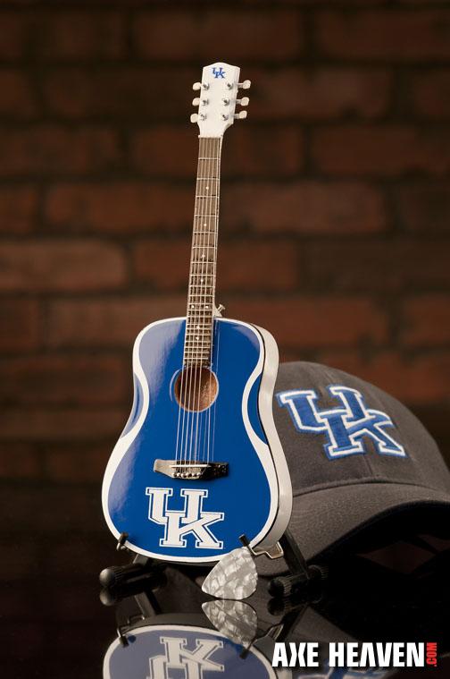 1_UK_8073_Mini Guitar