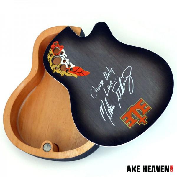 ME-mini-guitar-box-swivel_ah