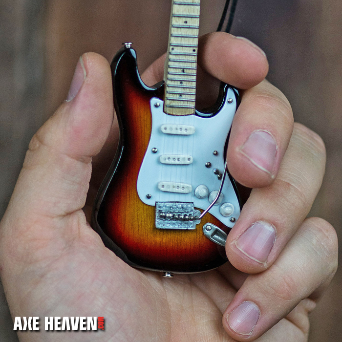 6%22_Ornament_Sunburst Strat_72_AH_2 copy