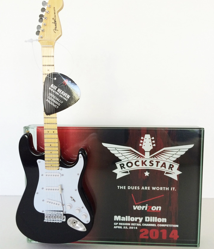 Verizon 2014 Rock Star Custom Trophy / Award – Glass Plaque w/Stand