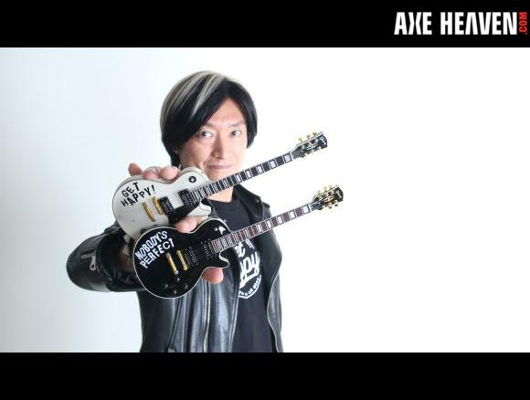森純太 MORI JUNTA - an AXE HEAVEN® Exlusive Artist - Officially Licensed Gibson™ Les Paul™ Mini Guitar Replica Collectibles by AXE HEAVEN®