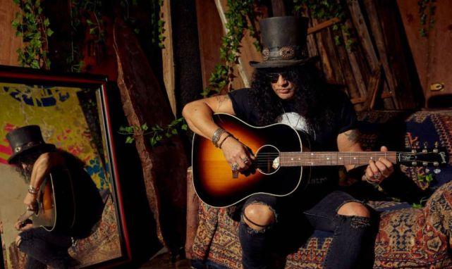 Slash Plays a Gibson® J-45 November Burst Acoustic Guitar
